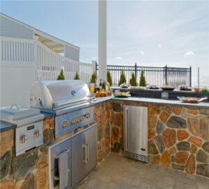 cobblestone grilling outdoor kitchen